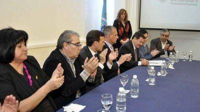 """Buzzi: """"el convenio es el marco que respalda toda negociación laboral en democracia"""""""