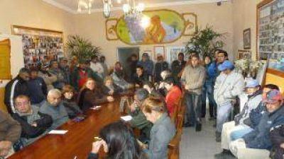 Guaraz anunció aumento de sueldos para los empleados municipales