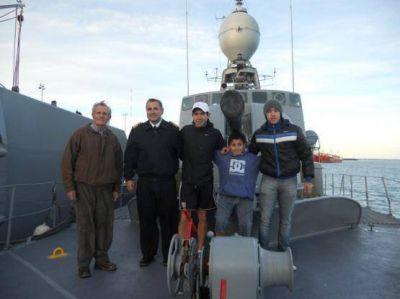 Dos buques de la Armada visitaron Puerto Deseado