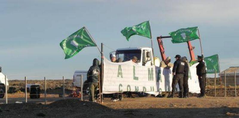 Camioneros abandonan el proyecto Cerro Moro