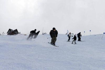 Los barilochenses predominaron en el primer día de esquí