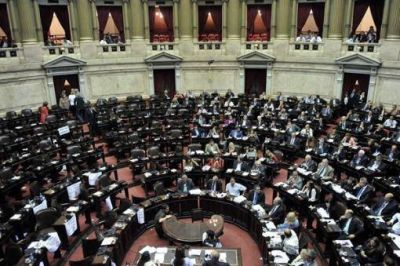 Más de la mitad de los diputados que concluyen su mandato en diciembre aspira a renovar sus bancas