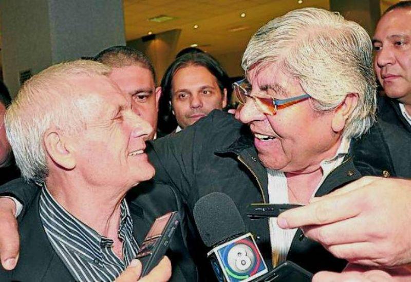 "Caló abrazó a Moyano y pidió ""voto castigo"" para políticos que ""no cumplen"""