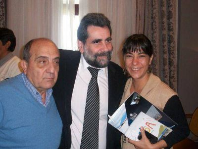 Carolina Moisés planteó activar planes para los jóvenes sampedreños