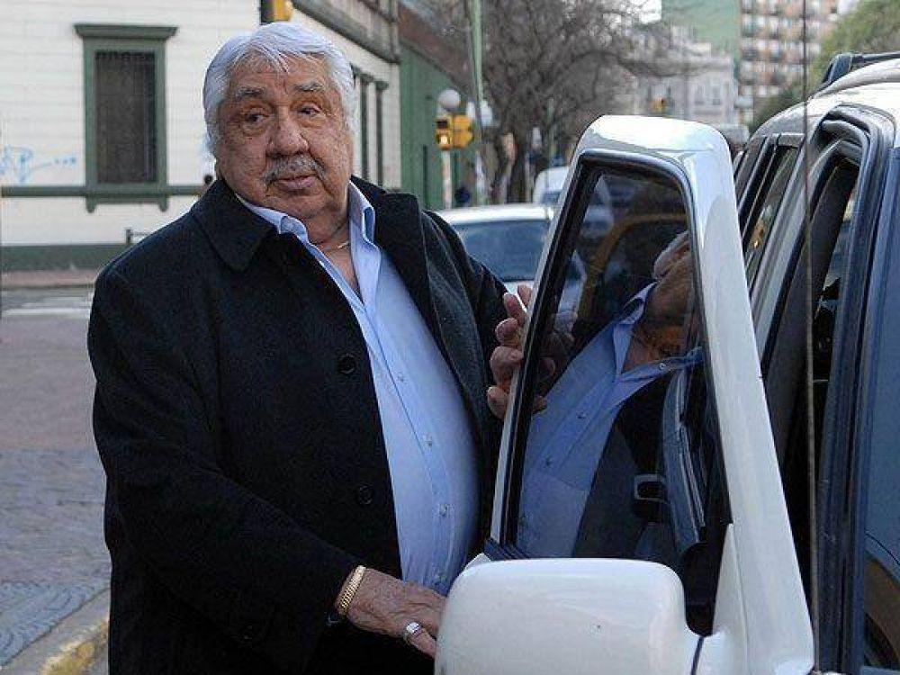 Lescano vaticinó que más gremios dejarán la CGT oficialista que dirige Caló