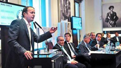 De Vido prometió obras para cortar la fuga de intendentes bonaerenses