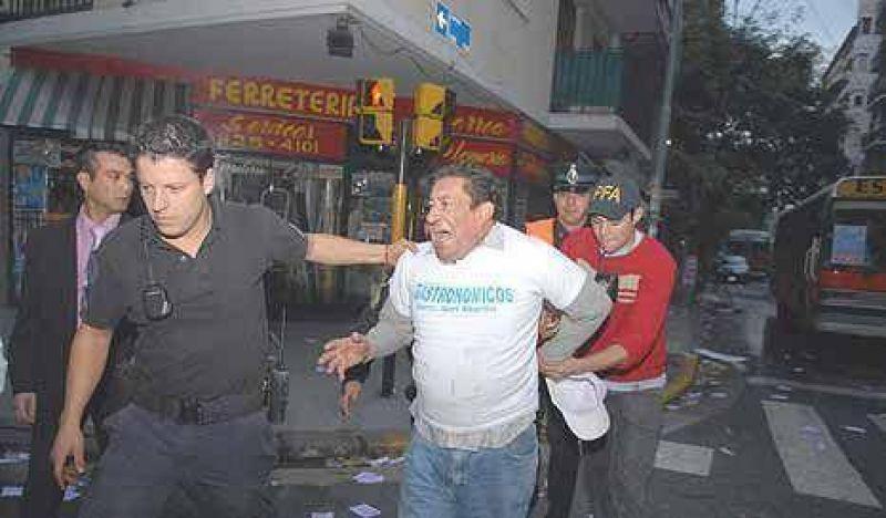 Palos y tiros para los gastronómicos: hubo 60 demorados y 17 heridos