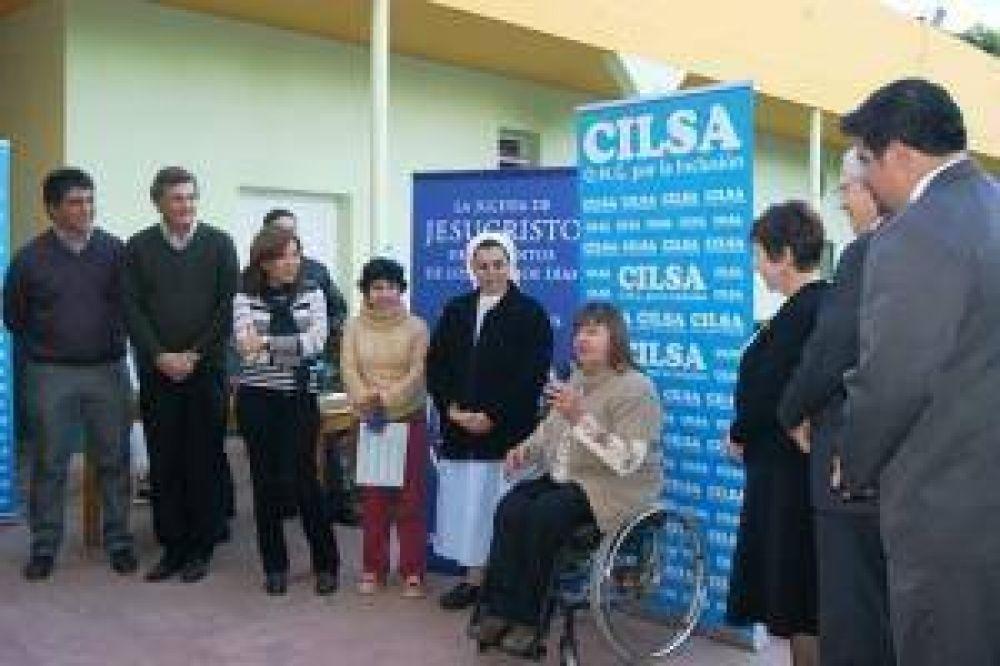 El Municipio, CILSA y la Iglesia de Jesucristo entregaron elementos ortopédicos en el Cotolengo Don Orione