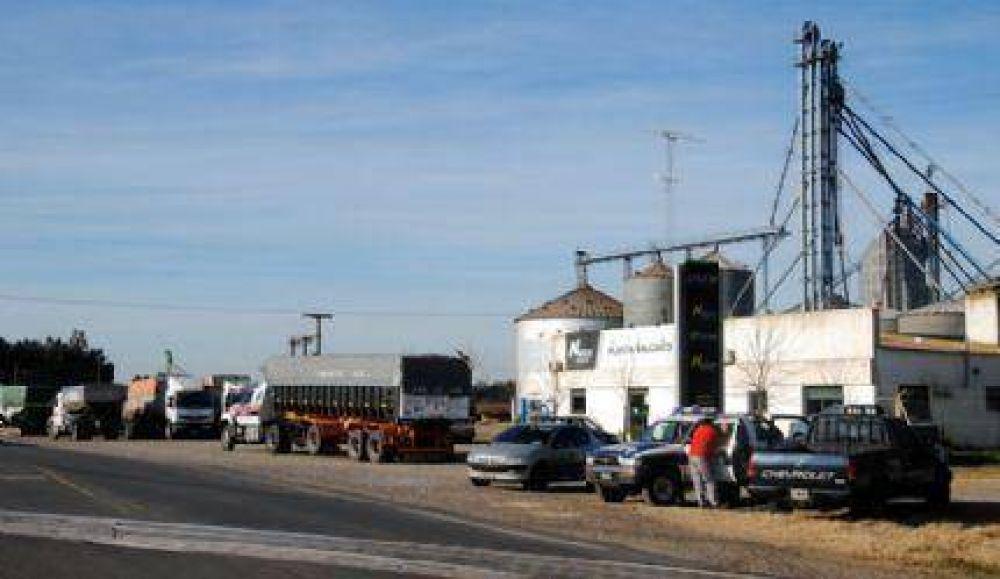 Camioneros de ATCADe realizan piquetes en toda la Provincia y cientos de camiones están parados en las rutas