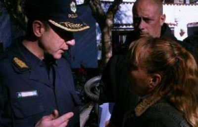 Familiares y amigos del asesinado Lovello reclaman en las puertas del Municipio