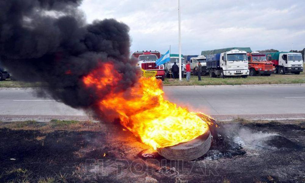 Transportistas: manifestación sin corte en la 226 y 51