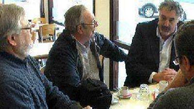 El Diputado socialista Alfredo Lazzeretti se reuni� con candidatos locales del Frente Progresista