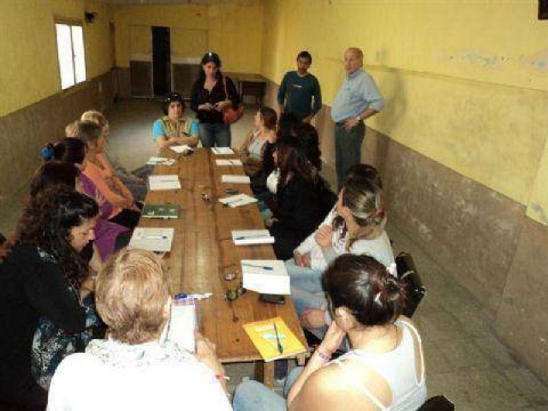 Dos nuevos cursos en la Comisi�n de Fomento del Barrio Malvinas Argentinas