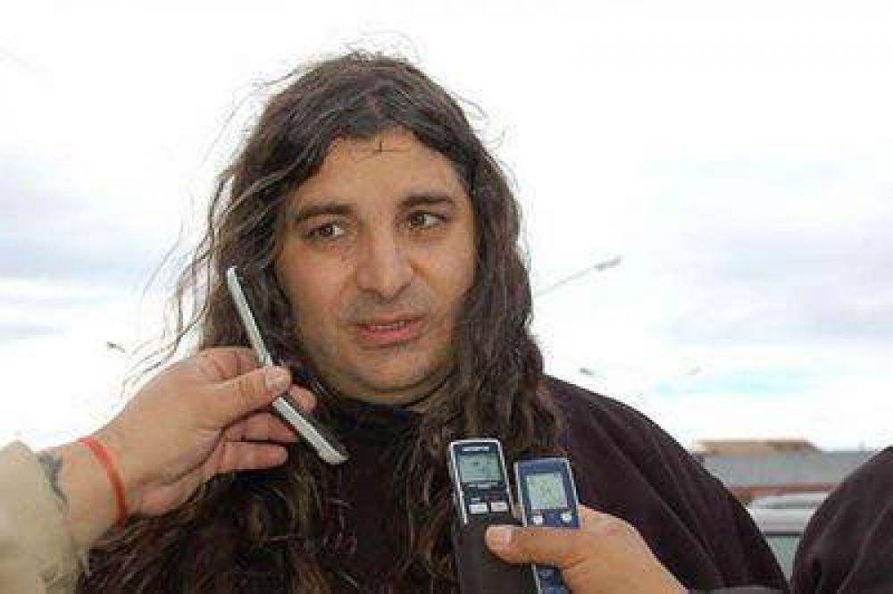Alejandro Garzón denunció que quieren que desaparezca ATE