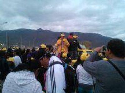 """Alfredo Olmedo visitó a vecinos de Capital: """"Vamos donde están los problemas de la gente"""""""