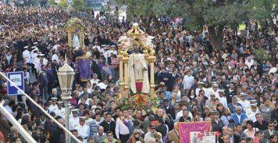 Una multitud acompañó a San Nicolás en su fiesta de invierno