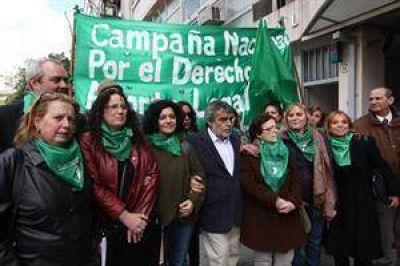 Aborto no punible: la Justicia porteña declaró inconstitucional el veto de Mauricio Macri