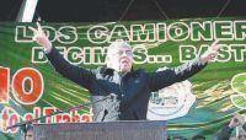 Hugo Moyano cuestionó los planes sociales y pidió votar a la oposición