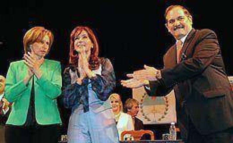 Con tono electoral, Cristina cargó contra candidatos opositores