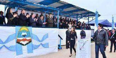 Desfile cívico-militar en Zalazar