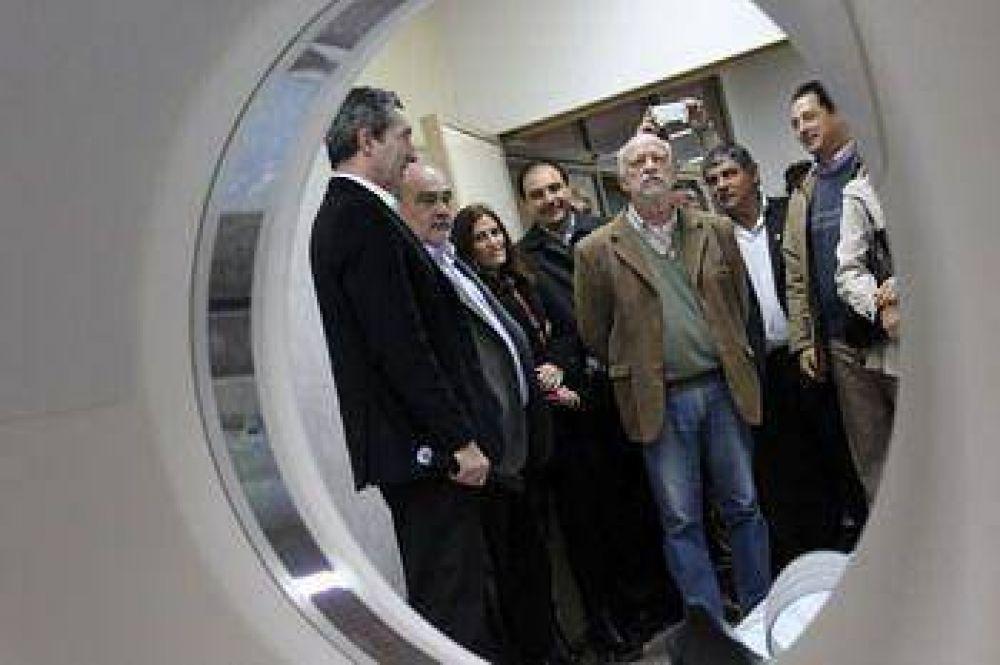 La Provincia fortalece la Salud Pública nuevo tomógrafo para el Hospital de Goya