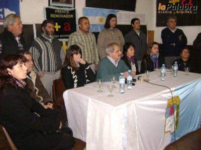 Con fuertes críticas al oficialismo, el Frente Renovador presentó sus candidatos
