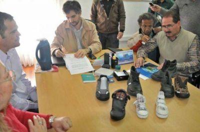 Cooperativa se instalará en el Chaco y fabricará 500 pares de calzados diarios