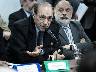 Zaffaroni, a favor de que exista un tribunal de control constitucional