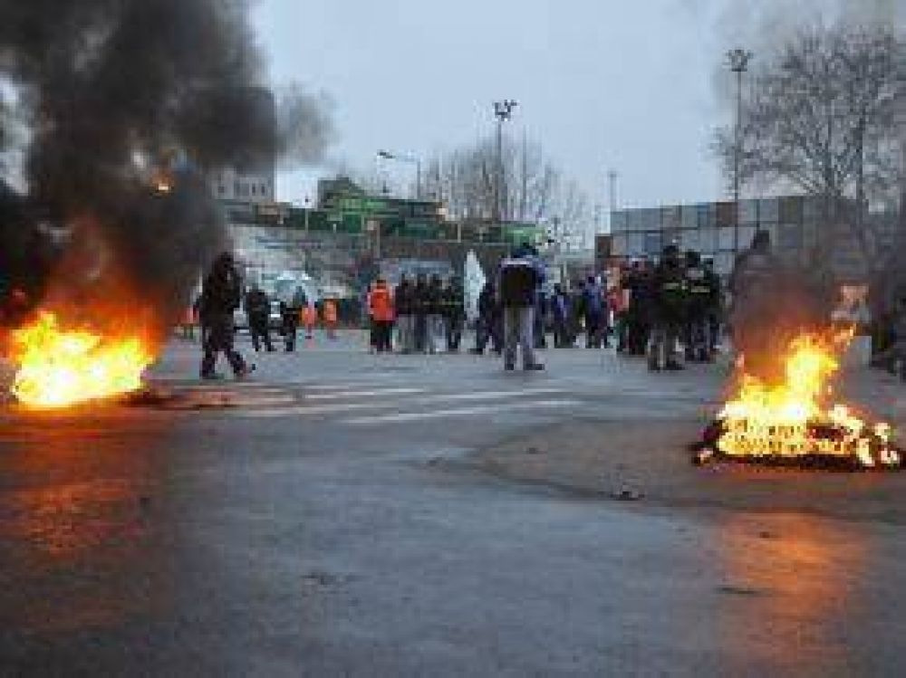 Caos en Retiro por la protesta de dos gremios