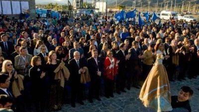 Se realiza el acto oficial de apertura de la XLIII edición del Poncho