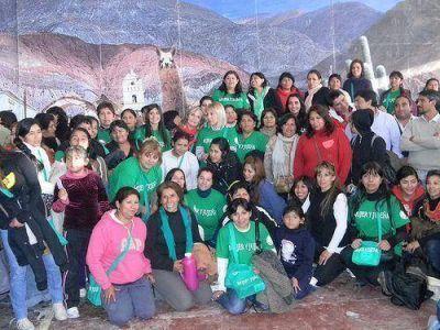 Agrupación de Liliana Fellner dictó talleres para mujeres en Volcán
