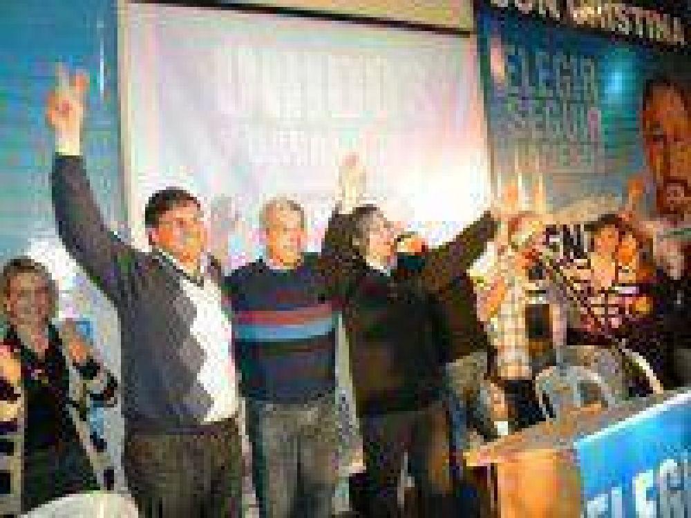 Con la presencia de Julián Domínguez, el FPV presentó su lista de candidatos encabezada por Jorge Lenzi