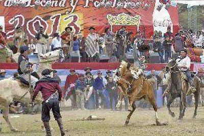 Una multitud colm� Uni�n Santiago para disfrutar del Festival de Doma y Folclore