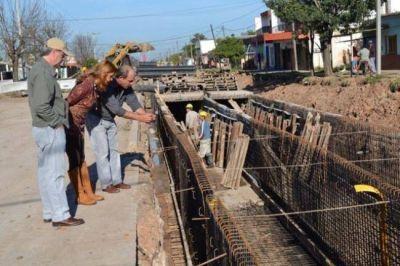 Se ejecutó el 70 % de la segunda etapa de la obra de pavimentación de la avenida Urquiza