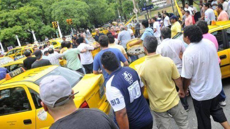 Paro de Permisionarios de Taxis