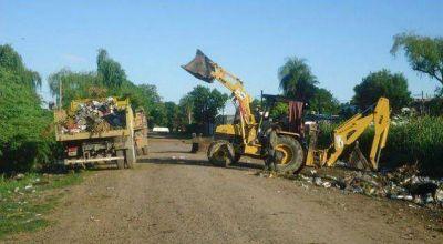 Intenso operativo de recuperación de calles en Barranqueras