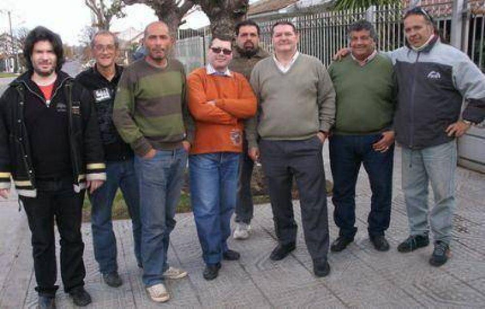 """Dirigentes del espacio """"A+ es Posible"""" en los barrios Stella Marys, Cerrito Sur, Juramento y Nuevo Golf"""