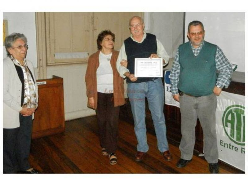 El gremio ATE homenajeó a veteranos afiliados de Rosario del Tala