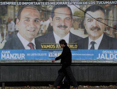 Los afiches muestran más líderes que candidatos