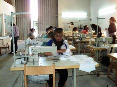 FONTEX: Ya se confeccionaron 60 mil guardapolvos