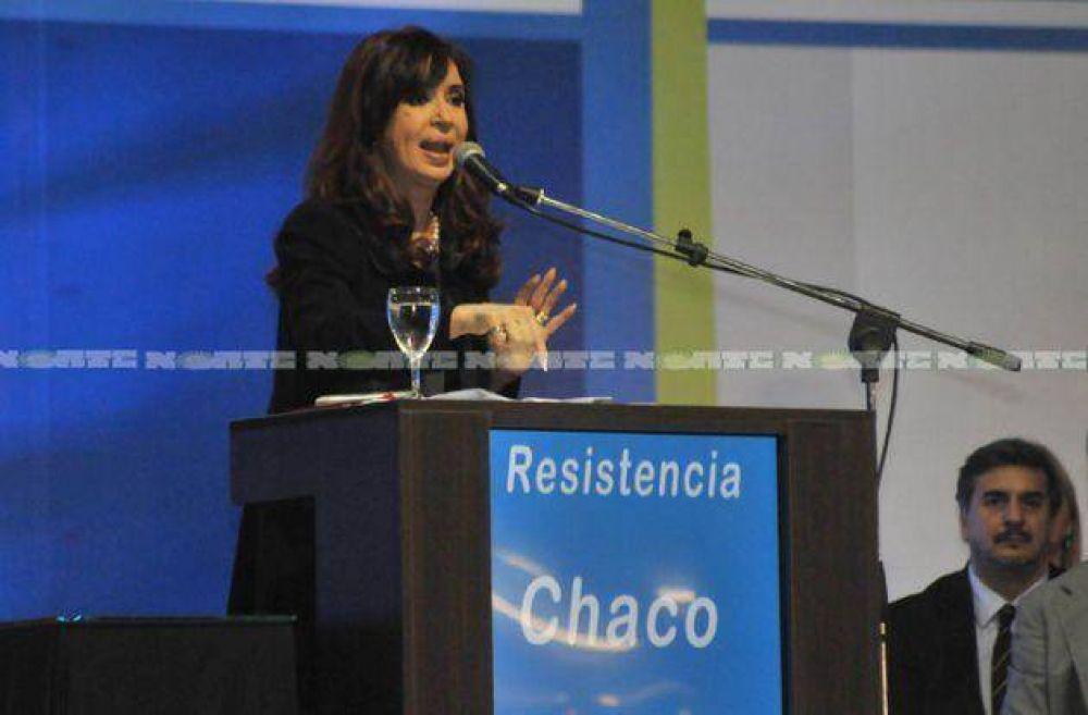 """Cristina reclamó """"compromiso"""" a los candidatos"""