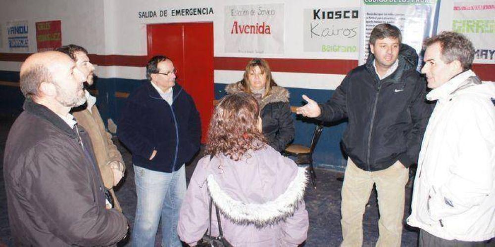 Candidatos de De Narvaez recorrieron instituciones