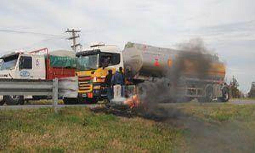 Camioneros de ATCADe levantaron los piquetes y se define aumento de tarifas