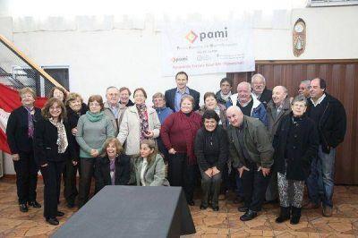 Bruera visitó instituciones de Melchor Romero con motivo de su 129° aniversario