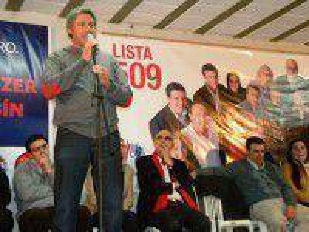 El Frente Progresista Cívico y Social, encabezado por Claudio Massaccesi, presentó sus candidatos en Saladillo