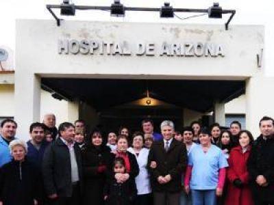 El Gobierno entregó equipos de salud y viviendas en el sur