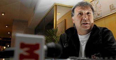 'Tata' Martino ya es entrenador del Barcelona