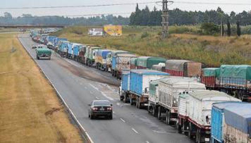 Día clave para evitar que se agudice paro de transportistas en el sur bonaerense