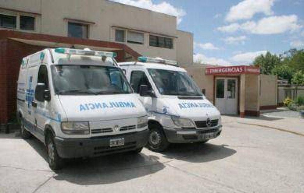 Ambulancieros del Hospital realizan paro de actividades en reclamo de mejoras salariales