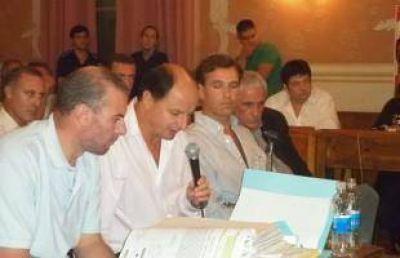 Concejales presentan proyecto para interpelar a Guacone